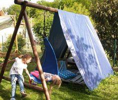 ...bei dem tollen Wetter mussten wir den Nachmittag natürlich im Garten sein. Die Mädels chillten im umgebauten Schaukel-Kletter-Gerüst...