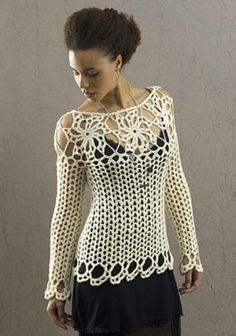 Fabulous Crochet a Little Black Crochet Dress Ideas. Georgeous Crochet a Little Black Crochet Dress Ideas. Blouse Au Crochet, T-shirt Au Crochet, Pull Crochet, Gilet Crochet, Black Crochet Dress, Crochet Woman, Crochet Blouse, Crochet Crafts, Crochet Projects