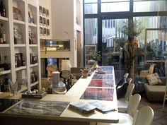 Ristrutturazione di antico convento del '300. Tema Shaggy Chic. Banco Bar, Brac Libreria ristorante.