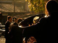 """Quem quiser visitar a mostra """"Mestres do Renascimento: Obras-primas Italianas"""" durante o período da Virada Renascentista - que mantém as portas do CCBB abertas durante toda a madrugada do dia de inauguração da exposição, no sábado, dia 13, das 20h às 3h -, também pode aproveitar o evento """"Renascimento: Variações sobre o Mesmo Tema"""", que acontece nas imediações do prédio. São apresentações musicais que têm como tema a música profana. A entrada é Catraca Livre."""