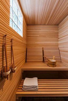People have been enjoying the benefits of saunas for centuries. Spending just a short while relaxing in a sauna can help you destress, invigorate your skin Diy Sauna, Sauna Steam Room, Sauna Room, Basement Sauna, Saunas, Sauna Hammam, Sauna Seca, Sauna Design, Outdoor Sauna
