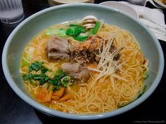 Oxtail Ramen Ramen Noodles, Noodle Soup, Chinese Food, Japanese Food, Oxtail Recipes, How To Make Ramen, Japanese Noodles, Yum Food, Hot Pot