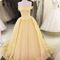 Off The Shoulder Tulle Quinceanera Dresses Lace Appliques Ball Gowns