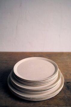 jiro yoshida Norwegian Wood, Ceramic Design, Ceramic Pottery, Interior Decorating, Objects, Clay, Plates, Mugs, Tableware