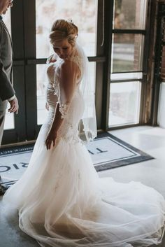 Trumpet gown with train / lace detailed trumpet dress / classic wedding gown with beautiful detail   WeddingDay Magazine