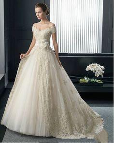 A-Line Vintage Off the Shoulder Handmade Flower Lace Applique Tulle Champagne Colored Wedding Dresses Free Measurement
