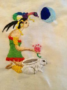 Ixchel la diosa Maya de la luna, fertilidad y textiles. La mujer arcoiris. Bordado a mano. Hand embroidery. By Jessica G.embroidery.Ixchel a mayan goodness. By