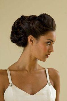 Weinlese-Hochsteckfrisur für Mittellanges Haar