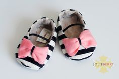 Baby Clothes: Adorable Black & White Striped Baby Girl Shoes With A Pink Bow Source by shoes Baby Girl Shoes, My Baby Girl, Baby Love, Girls Shoes, Baby Girls, My Little Girl, Little Babies, Cute Babies, Baby Girl Fashion
