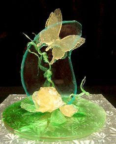 American Cake Decorating Isomalt, Pulled Sugar Art, Sugar Glass, Chocolate Work, American Cake, Pink Icing, Sugar Craft, Novelty Cakes, Edible Art