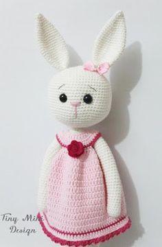 Conejita amigurumi con vestidito