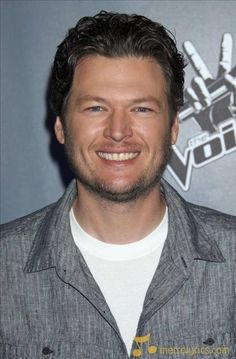Love that smile and those beautiful blue eyes :-)