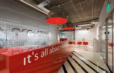 E:MG Advertising Agency (Moscow, 2014) / VOX Architects @VOX_ARCHITECTS #reception #entrance #red