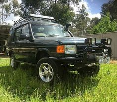 An #Australian #discovery1 standing tall. By @melbournelandrover #landrover #discovery #d1 #landroverphotoalbum