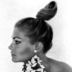 #CandiceBergen made the most of her perfect profile as a mod tourist in The Day the Fish Came Out. http://www.instyle.com/instyle/package/transformations/photos/0,,20290120_20487661_20943145,00.html
