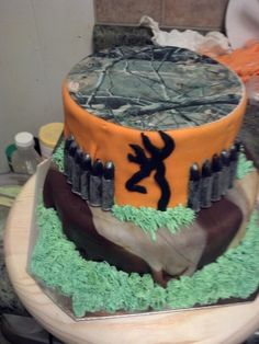 Hunting cake Birthday cakes Camo birthday cakes and Cake