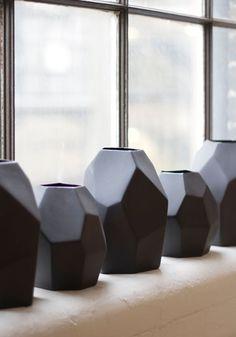 Black geometric vase — BODIE and FOU - Award-winning inspiring concept store Ceramic Pottery, Ceramic Art, Cerámica Ideas, Sculptures Céramiques, Creation Deco, Decoration, Scandinavian Design, Stoneware, Home Accessories
