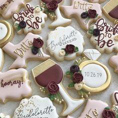 Bachlorette Party Cake, Bachelorette Desserts, Winery Bachelorette Party, Bachelorette Party Cookies, Bachelorette Party Planning, Winery Bridal Showers, Bridal Shower Wine, Wedding Shower Cookies, Bridal Shower Desserts