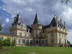French Chateaux ~ Aquitaine, France  http://www.frenchentree.com/france-aquitaine/