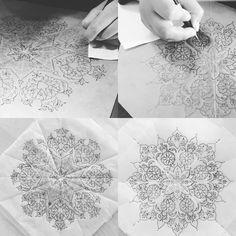 HAPPY EİDMUTLU BAYRAMLAR Ready for painting with @ladywhispersq8 and @eng_ls4 #artwork #workshop #design #tezhip Islamic Art Pattern, Arabic Pattern, Pattern Art, Arabesque, Mandela Patterns, Illumination Art, Happy Eid, Amazing Drawings, Geometric Art