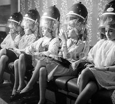 Miss World Contestants London 7 November 1962 2 Nylons, Hair You Wear, Miss Monde, Salon Dryers, Vintage Hair Salons, Blouse Nylon, Smoking Ladies, Hair Color For Women, Roller Set
