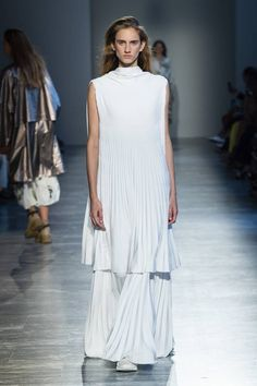 See all the Collection photos from Agnona Spring/Summer 2019 Ready-To-Wear now on British Vogue Bridal Looks, Fashion Show, Fashion Brands, Catwalk, Ready To Wear, White Dress, Vogue, Spring Summer, Stylish