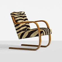 cantilevered chair by Alvar Aalto