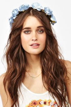 SO pretty & perfect... love the makeup, hair, and rose crown