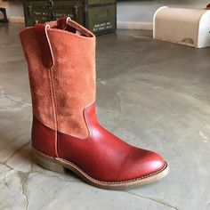 NOW AVAILABLE!! The Red Wing x Eat Dust Pecos collaboration! This exclusive release is made in really limited numbers so if you would like to rock these baby's, get them as soon as possible at http://ift.tt/180OFjM! http://ift.tt/2vY0s6z