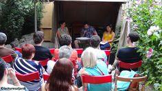 El público escuchando la lectura de Francesc Oliva