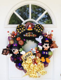 Mickey and Minnie Mouse Halloween Wreath!