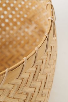 Large Braided Bamboo Basket - Beige/bamboo - Home All Small Wooden Tray, Wooden Bowls, Large Storage Baskets, Wooden Storage Boxes, H & M Home, Small Glass Jars, Plastic Mugs, Bamboo Basket, Linen Napkins
