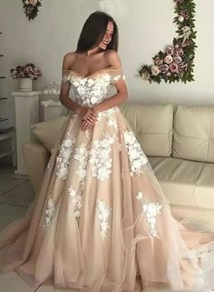 LORIE Champagne Princess Wedding Dresses Off Shoulder 2018 Robe de mariee Sweetheart Vintage Lace Bridal Gown Lace Up Back Ball Gowns Prom, Ball Dresses, Evening Dresses, Party Dresses, Long Wedding Dresses, Princess Wedding Dresses, Formal Dresses, Backless Wedding, Dress Wedding