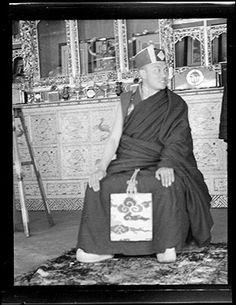 HH16th Karmapa in Tsurphu 1946 Tibetan Buddhism, Buddhist Art, Vajrayana Buddhism, Be My Teacher, Bhutan, Hinduism, Buddha, Spirituality, Faith
