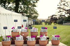 Pretty table plan, ideal at a garden wedding