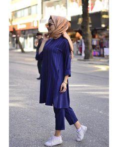Hijab Style Dress, Modest Fashion Hijab, Hijab Outfit, Muslim Fashion, Fashion Outfits, Simple Pakistani Dresses, Pakistani Fashion Party Wear, Modele Hijab, Hijab Fashionista