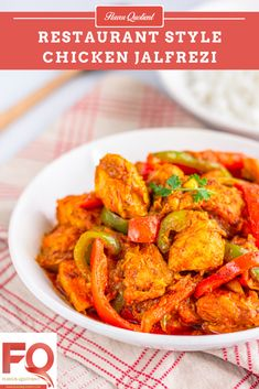 Chicken jalfrezi is a delicious chicken stir-fry with onions, peppers and tomatoes minimally flavored with aromatic Indian spices. Chicken Jalfrezi Recipe Pakistani, Chicken Korma Recipe, Indian Chicken Recipes, Indian Food Recipes, Ethnic Recipes, Garam Masala, Naan, Chicken Stir Fry, Indian Recipes