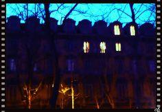 è calata la sera ...finestre e abbaini illuminati in Corso Umberto, Torino