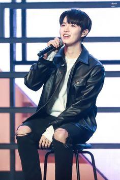 Jaehwan Wanna One, Lai Guanlin, 61 Kg, Lee Daehwi, Ong Seongwoo, Kim Jaehwan, Fans Cafe, Boy Groups, Girl Group