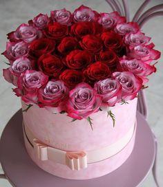 ~Katarina~Look me 🎫🎫🎫🎫🍬🍬🍬🎫🍬🎫🎠🎠🎠🎠 Flower Box Gift, Flower Boxes, My Flower, Beautiful Rose Flowers, Amazing Flowers, Beautiful Flowers, Corporate Flowers, Happy Birthday Flower, Modern Flower Arrangements