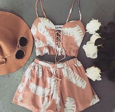 Wheretoget - Nude printed two-piece romper comprising a lace up spaghetti straps top and shorts, a camel hat, and sunglasses