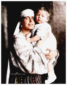 Marie of romania with her grandson Mihai Romanian Royal Family, Royal Beauty, Al Capone, Imperial Russia, Queen Mary, History Photos, Royal House, Ferdinand, Queen Victoria