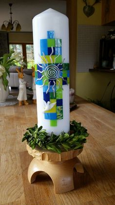 Pillar Candles, Wine Glass, Diy And Crafts, Planter Pots, Easter, Cool Wallpaper, Candles, Candle, Easter Activities