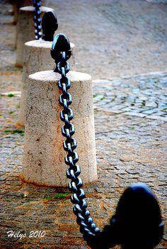 Latin Quarter, chains, Place du Panthéon, Paris V