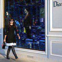 Walking down Avenue Montaigne  #Paris #bonjour #streetstyle #ootd #PFW #bluemood #Sunday #moalmada