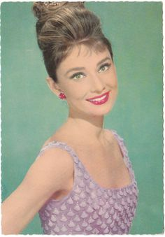 Audrey Hepburn <3 I first saw Audrey Hepburn in Breakfast at Tiffany's on the tv when I was a little girl instantly fell madly in love with her♥♥ . She was my very first girl crush. Mmmmuah ♥♥