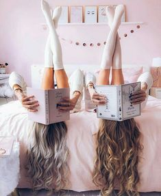 There's no one like your BFF! Check out these BFF pictures & bestie poses ideas Cute Friend Pictures, Best Friend Photos, Best Friend Goals, Bff Pics, Best Friends Shoot, Photoshoot Friends, Friend Pics, Best Friend Photography, Photography Tips