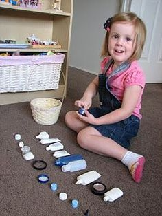 Preschooler bottle and lid matching activity. definitely targets fine motor skills, visual motor, and cognitive skills! But do I want my kids well practiced at opening bottles? Montessori Activities, Learning Activities, Preschool Activities, Kids Learning, Fine Motor Activities For Kids, Time Activities, Preschool Kindergarten, Funky Fingers, Toddler Fun
