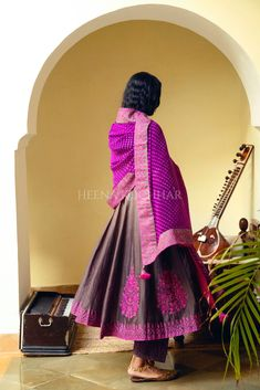 Indian Dresses, Indian Outfits, Punjabi Dress Design, Hand Work Embroidery, Ethnic Design, Casual Dress Outfits, Indian Designer Wear, Indian Ethnic, Nice Dresses