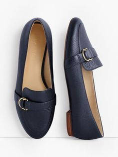 Classic Style Women, Modern Classic, Ballerina Shoes, Talbots, Fashion Boots, Casual Shoes, Footwear, Loafers, Booty